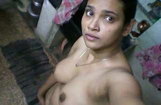 Desi cute boudi nude bath video