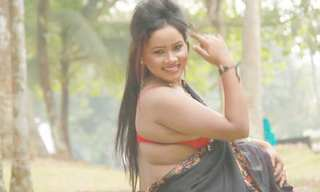 Desi bhabi hot photoshoot , really hot