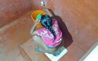 Desi aunty pee spy video