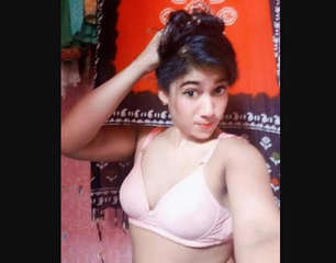 Desi cute village girl show her nice boobs