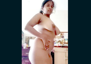 big boobs sexy bhabi show wher boob on cam