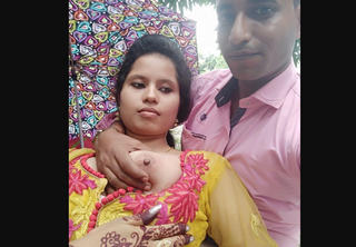 Desi collage lover romance in park