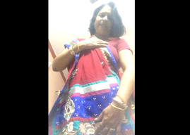 Desi aunty show her nude body on cam