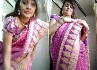 Desi village wife riba show her body n make video for her husbend