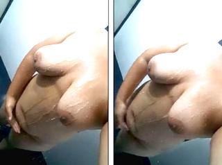 Big boobs desi aunty self take her nude bathing selfie video