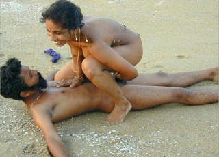 Desi couple having good time on beach leaked premium collection