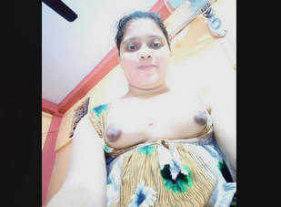 Desi Cute Bhabhi From Kolkata Taking Nude Selfies Part 2