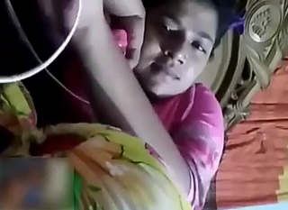 Bangladeshi Gf Showing Boobs On Video Call