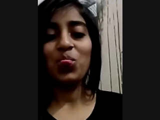 Cute Desi Girl Showing Boobs on Video Call
