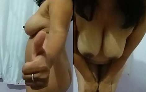 Sexy desi nude bhabhi showing boobs and ass