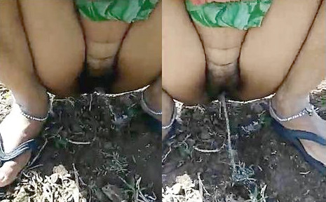 Indian Bhabhi peeing Hubby Reord