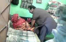 Desi Muslim Aunty fucked at home