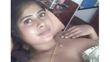 Mallu married aunty in nighty stripping for bf selfie