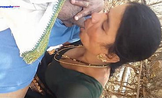 Desi aunty oral sex forest picnic time