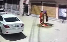Desi lady strips nude on street due to religious reasons