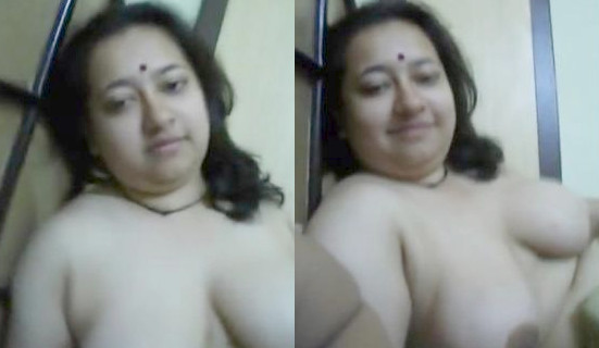 Bangla Horny Wife boobs play n handjob
