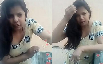 Desi Bhabi Live Cleavage Visible, Bending Babe