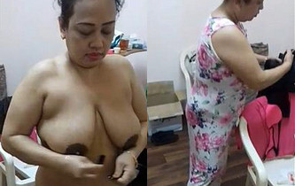 Horny Indian Aunty Wearing Cloths