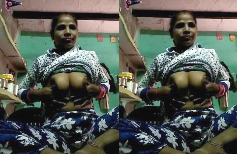 Hot Desi bhabhi showing boobs her lover