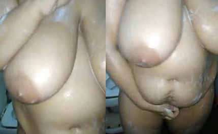 big boobs desi swinger bhabhi nude bathing hubby recording n fingering