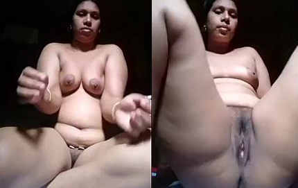 desi aunty hot boobs and pussy show