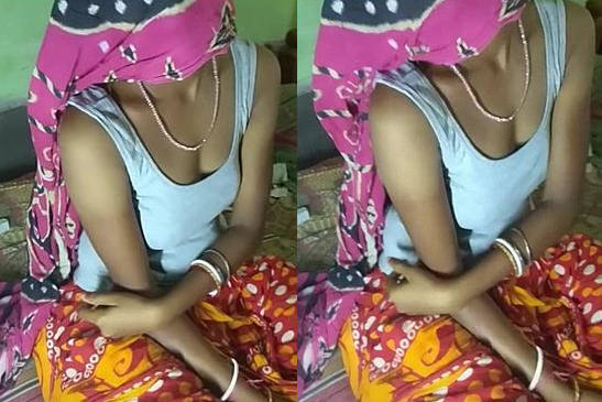 hot village housewife bhabhi soma sexy legs cleavage and navel show