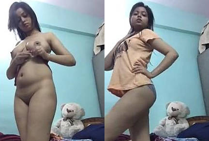 CUte Indain Girl Nude Dance Show