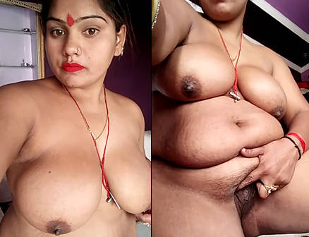 sexy indian wife nude selfie for lover