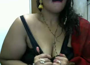 horny bhabhi seducing with lips and going braless