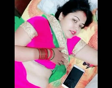 chubby housewife bhabhi manju maami hot show in bed