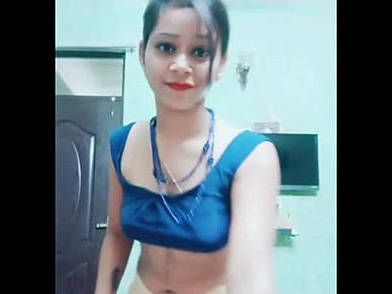 hot mumbai college girl kavitha saggy navel show