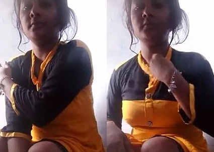 Horny Bihari Girl Soni Bathing Selfie 1