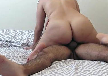 Huge Booty Latina Goes For A Wild Ride On That Dick