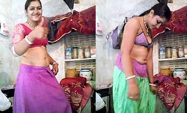 desi aunty dress change