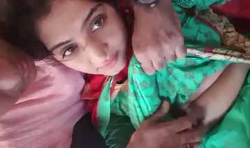 paki bhabhi boob press boss by in car