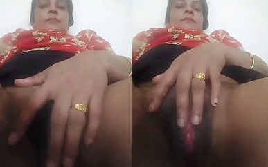 desi aunty hot pussy show