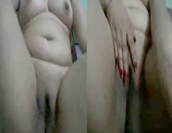 Punjabi Bhabhi Masturbating With Banana