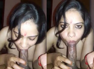 Noida Bhabhi Giving Perfect BJ to Pujari wid Audio