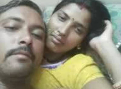 desi couple nude and fun on bed