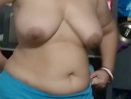 desi aunty wearing clothes clip