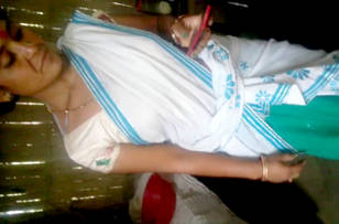 bangla boudi showing her pussy to lover