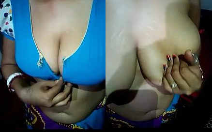 desi aunty hot boob showing