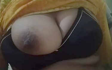 desi wife big boobs pressing and showing by hubby in different bra