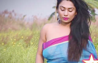 Desi cute bhabi nude hot photoshoot