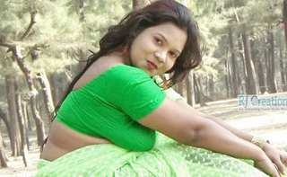Desi village bhabi hot photoshoot