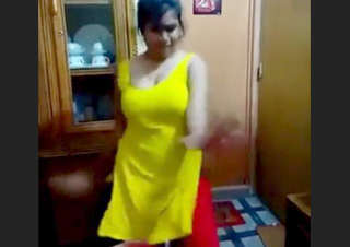 Desi cute girl sexy dance