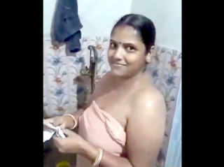 Desi sexy bhabi bath & devar make video