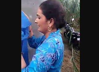 Desi bhabi caught in field with her father in lw