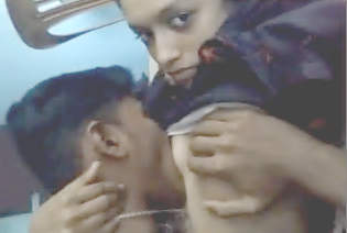 Mallu Lovers Hot Smooching & Having Fun Part 1