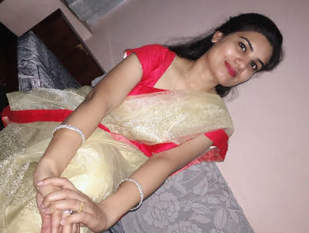 Hot Desi Bhabhi Nude Selfie Vids Part 1